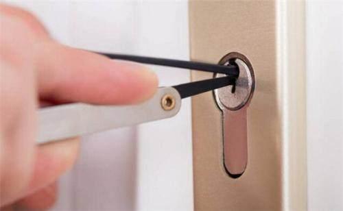 开锁过程只需数秒钟便可完成