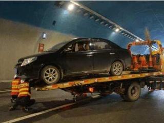 汽车在高速路上抛锚了怎么办