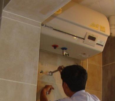 象山县热水器维修——热水器进水管漏水维修