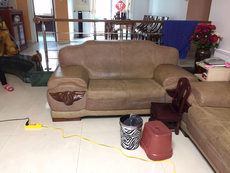 昆明旧沙发进行换皮换面清洗保养加固上色维修
