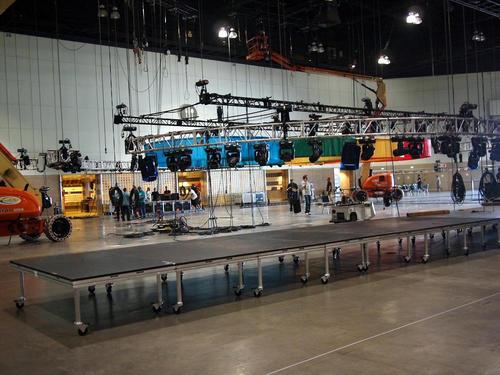 搭建庆典型舞台的高度是多少