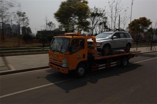 拖车救援拖车绳的正确使用方法