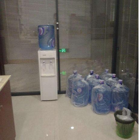 桶装水配送电话