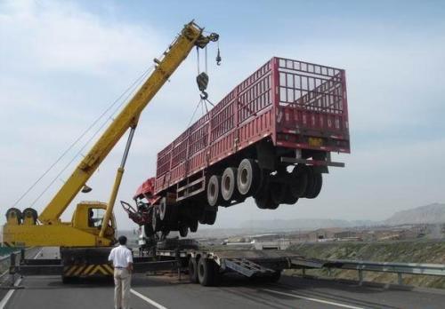 沅陵县拖车吊车救援
