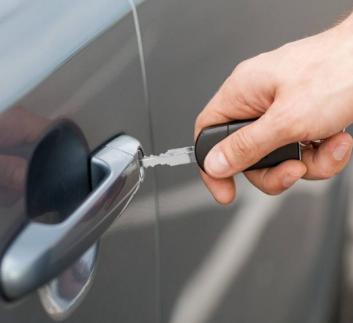 潍坊专业上门开汽车锁配汽车钥匙