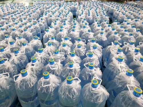 桶装天然矿泉水与纯净水的区别