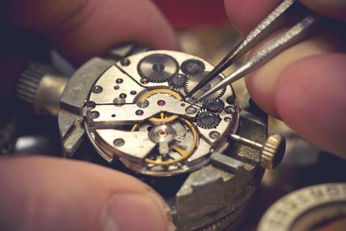 手表避震维修