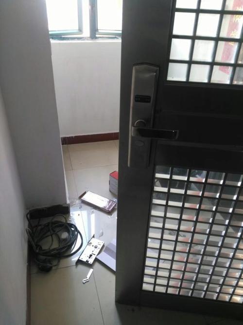 开防盗门锁注意事项