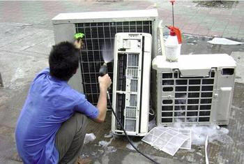 空调维修关于制冷剂泄漏