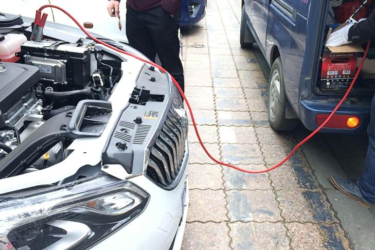 车辆搭电救援时的注意事项