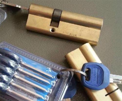 如何选购一把合适的锁