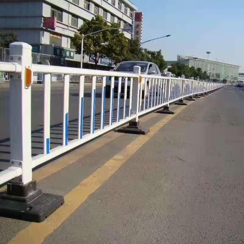 西宁道路护栏分享护栏知识