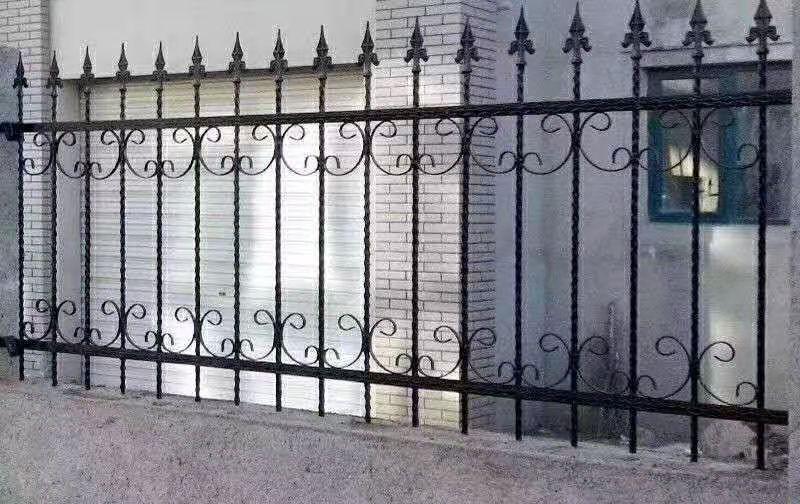 西宁锌钢护栏使用越来越广泛的原因