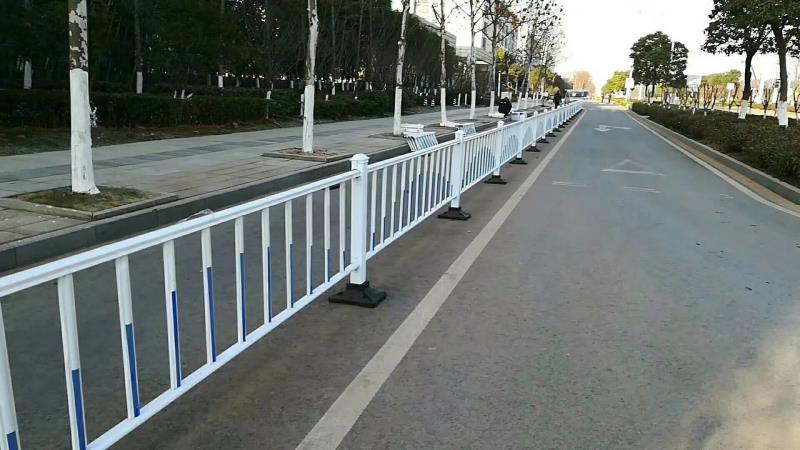 西宁锌钢道路护栏的优势
