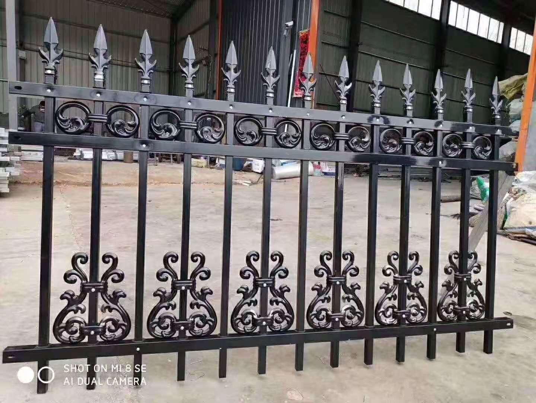 西宁别墅铝艺大门的特点你了解多少?