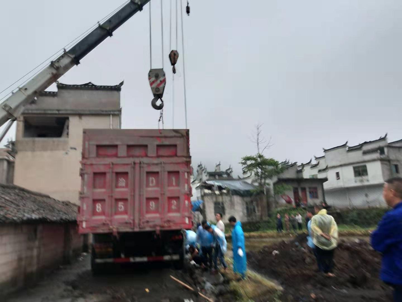 吊车出租助力客户完成吊装项目