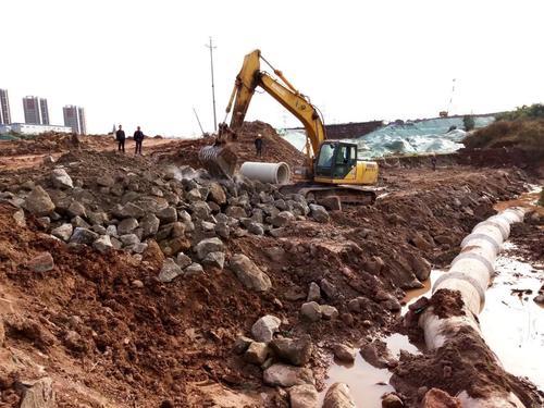 小型挖掘机有哪些特点