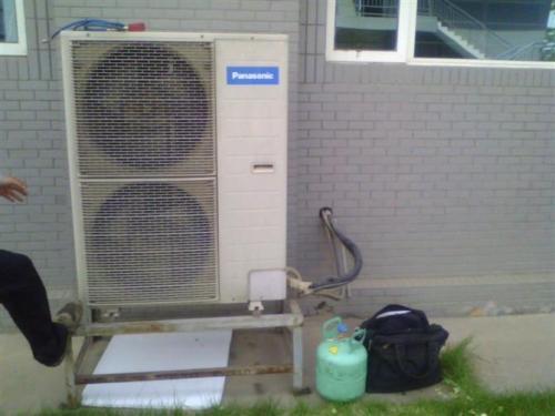 判断空调是否需要加氟的方法