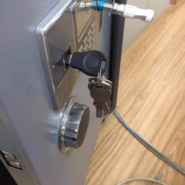 开锁需要进行两项检查